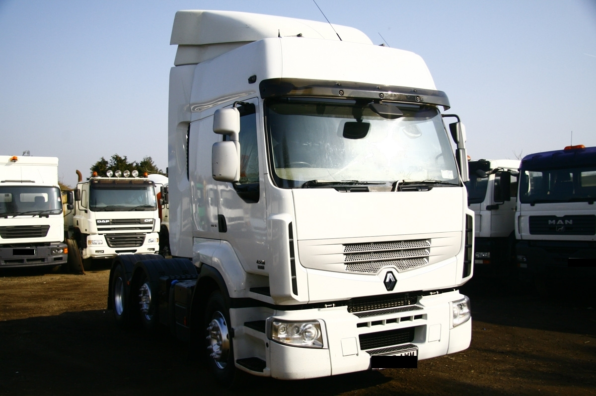 151ff7574c2f5b Second Hand Renault Trucks Bought   Sold